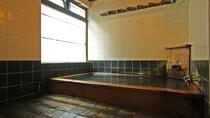 湯治場として有名な、湯川温泉の湯