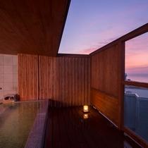 朝焼けをお風呂から楽しむ。