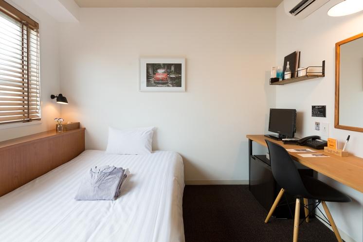 シングルベッドルーム / single bed room