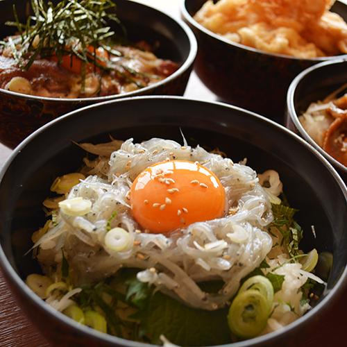 はまづる丼(生シラス4種)