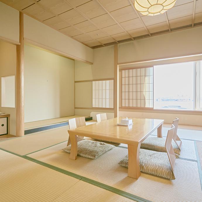 デラックスジャパニーズルーム お部屋はあらかじめ布団を敷いた状態でのご案内となります