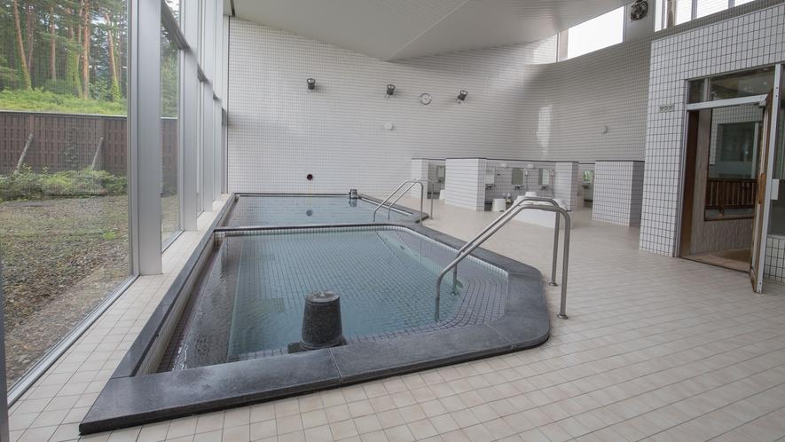 *【大浴場】のんびりと広々ご利用いただけます。