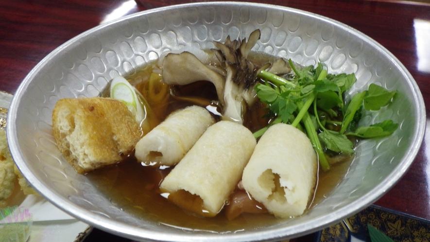 *【夕食例】郷土料理も取り入れたお食事です。