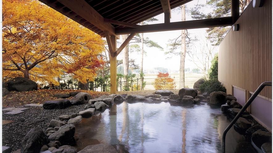*【露天風呂】四季折々の風景をお楽しみ頂けます。