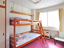 【客室】二段ベッドのお部屋もあります。