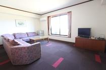 4人部屋★広々リビングルーム♪
