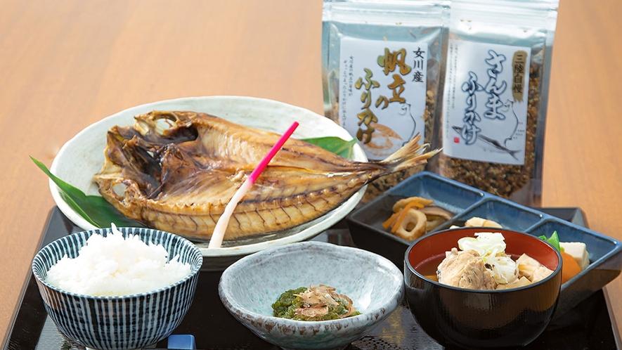 【朝食一例】女川で水揚げされたお魚や人気の加工品をエルファロが厳選し、ご用意いたします