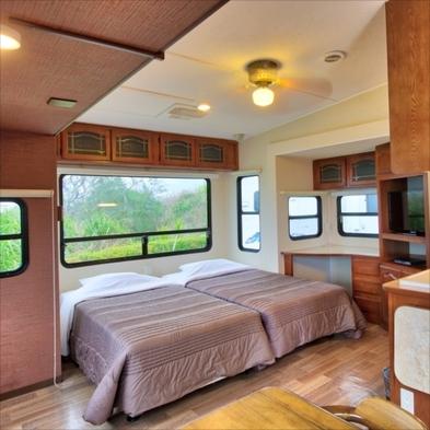 【秋冬旅セール】トレーラーハウス型ホテル♪カップルや家族で楽しもう♪【素泊まり】