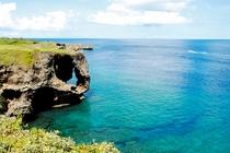 沖縄の絶景の観光地といえば、万座毛♪