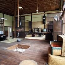 *施設一例/昭和30年代をテーマに再現された「昭和の民家」の展示。ノスタルジックな雰囲気です!