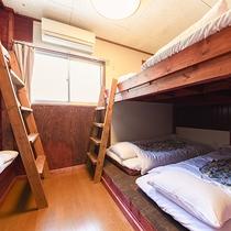 *ドッグラン付コテージ/2段ベッドを応用した布団もご用意しております