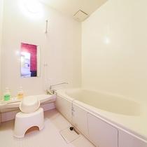 *ドッグラン付コテージ/バストイレ別で、広さが魅力のお風呂場