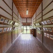 *昭和ふるさと館/ノスタルジックに浸る、白黒写真と旧学校の歴史