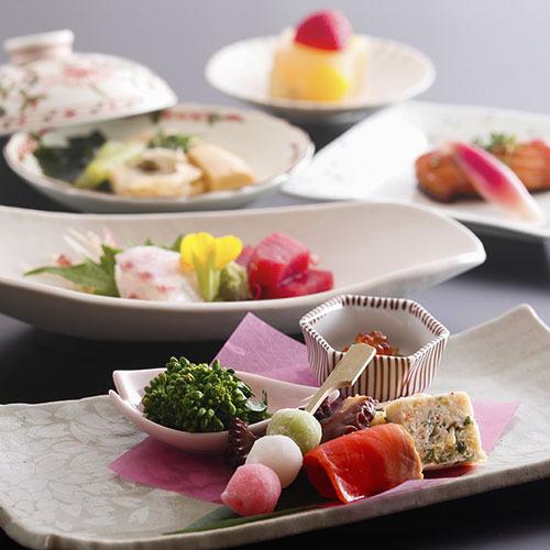<期間限定>京都ビギナーにもおすすめ!リーズナブルに「京料理」を楽しめる【お手軽会席】