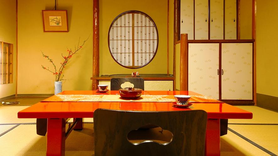 ◆本館和室-庭園側◆四季や、時間ごとに様々な表情を見せる、「純和風庭園」を見渡すお部屋
