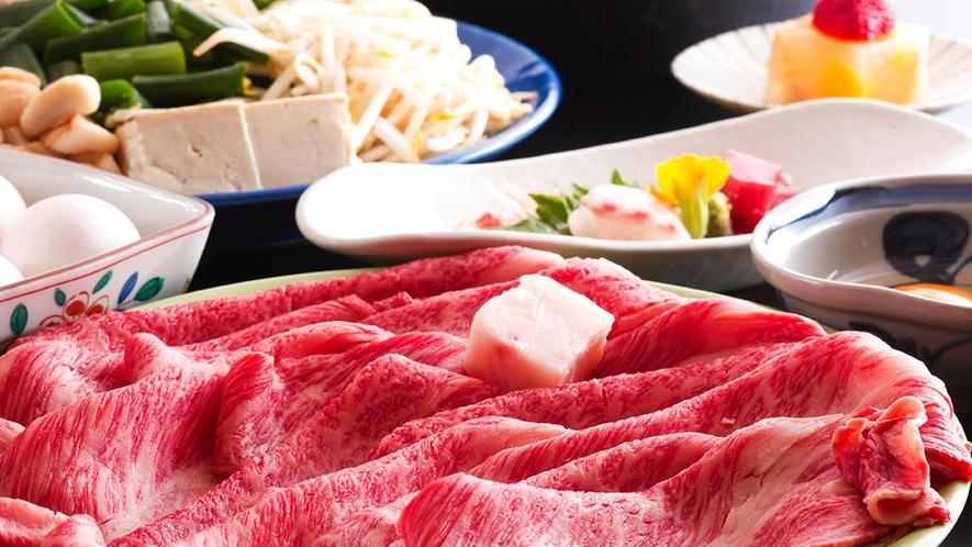 """【京都牛すき焼き】お肉の味をダイレクトに感じる""""関西風の味""""で、とろける旨みを口いっぱいに!"""
