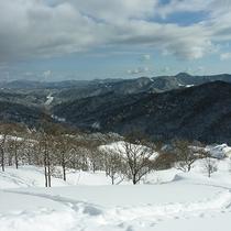 【深入山(冬)】眼下に当館を望むことができます