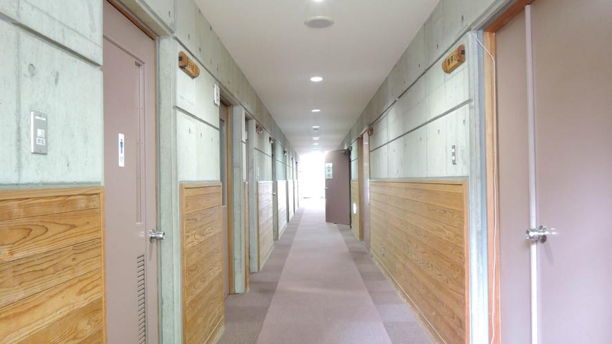 *明るい廊下