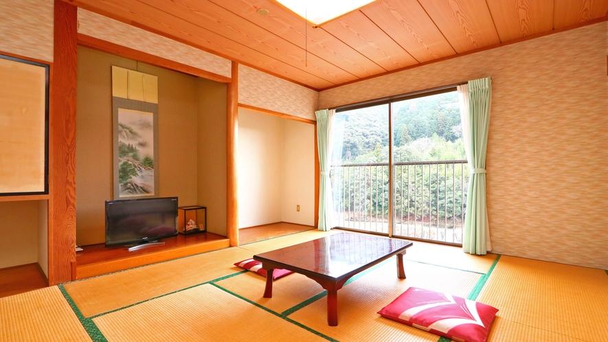 10畳和室◆全室お部屋から滝が見えます。