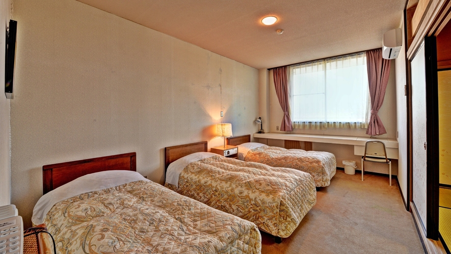 *【客室例(和洋室)】6名様まで宿泊できる和洋室は広々ゆったり。