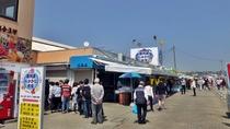 **周辺観光【那珂湊おさかな市場】那珂湊漁港前に11店舗あり、ランチやお土産購入にオススメです。