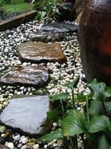 打ち水の庭