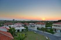 2階のベランダに夕日を眺める