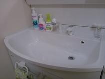 洗面台 洗顔料・化粧水