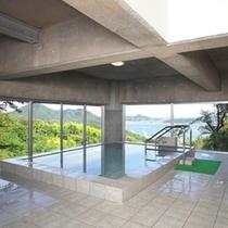展望大浴場:瀬戸の多島美や夜景を眺めながらゆったりとご入浴ください。。
