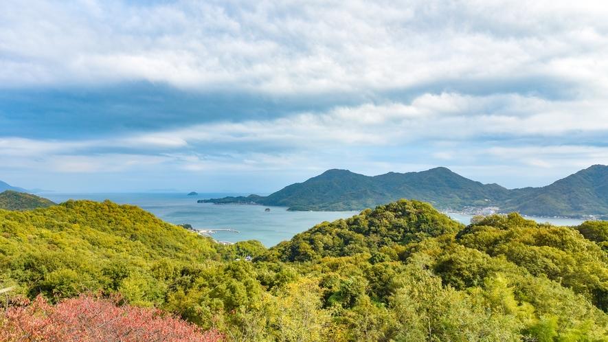*洋室◆お部屋からは遠くに瀬戸内海の景色をお楽しみいただけます