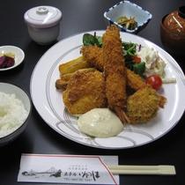 【ミックスフライ定食】一例