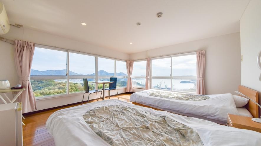 *デラックスツイン◆瀬戸内海や島々の景色を眺められるコーナーに位置するお部屋です