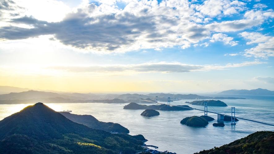 *来島海峡大橋◆瀬戸の島々を結ぶしまなみ海道。因島へのアクセスにもご利用ください