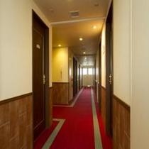 客室廊下レッドカーペットでおもてなし♪