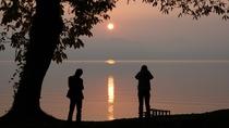 *施設のすぐ目の前から眺められる、十和田湖/ゆっくりと、沈んでいく幻想的な夕暮れ。