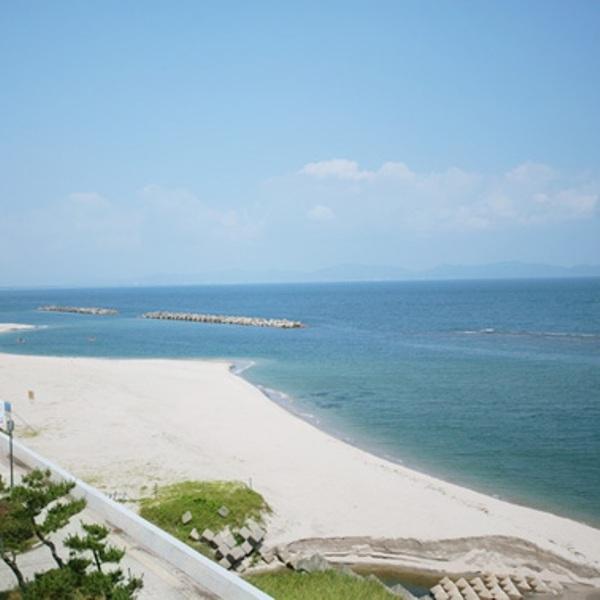 皆生海岸は当館より徒歩分です。