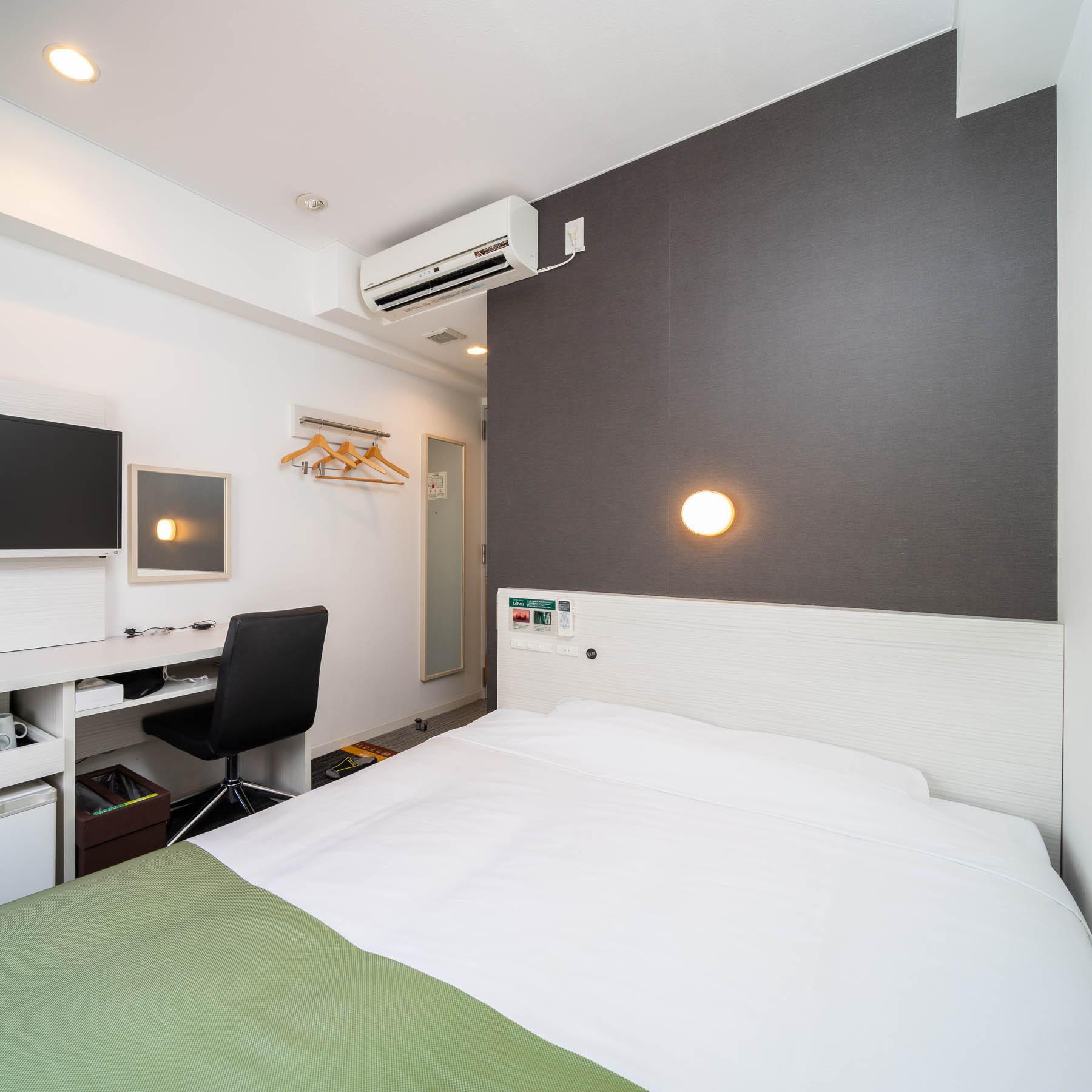 ダブルルーム☆眠りを追求した150cm幅のワイドベッドと適度な硬さのマットでぐっすり
