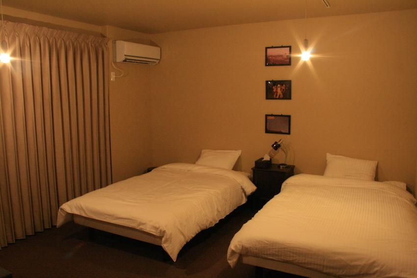 個室ベッド 夜