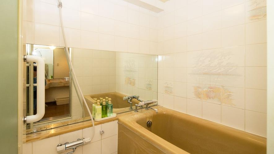 お部屋によってバスルームの内装も異なります《ダブル・ツイン・DXツイン限定》