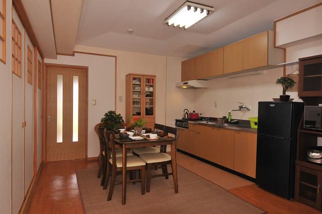 【ゆくりなリゾート沖縄】室内キッチン02