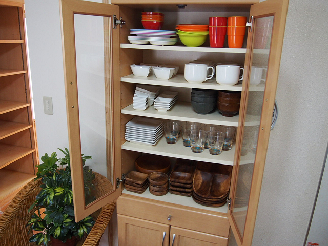 【ゆくりなリゾート】食器棚&食器類