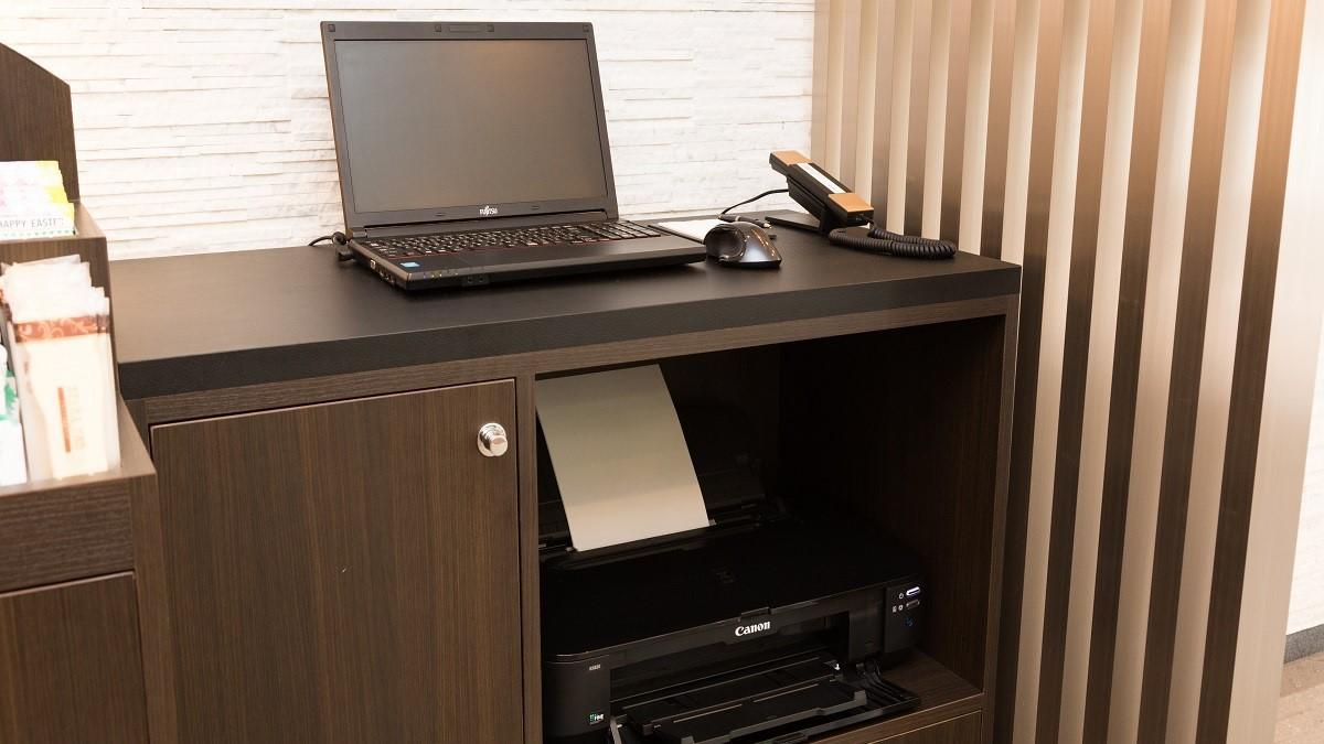 1階:フリーパソコンコーナー(プリンターもご利用いただけます)
