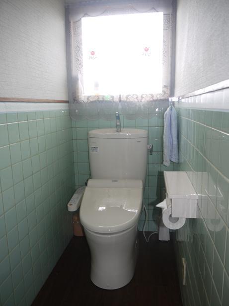 トイレ 1階と2階