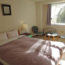 *ダブル/アルフレックス社製のベッドを使用した可愛らしいお部屋です。