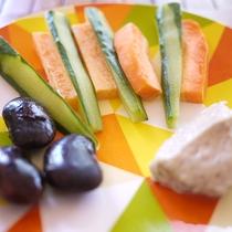 *朝食/地元で採れた野菜。新鮮な素材の味をお楽しみ下さい。