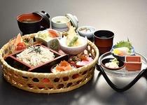 【日本料理 福鶴亭】 小町御膳 1512円(税込)