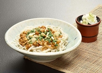 【日本料理 福鶴亭】 なめこ山菜そば