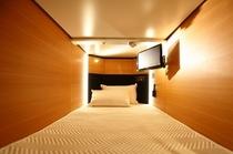 《館内1F》カプセルホテル室内