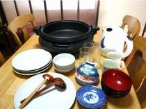 冬はこたつで鍋に限ります(●^o^●)お部屋に完備の鍋セットで地金目のしゃぶしゃぶなどはいかが?