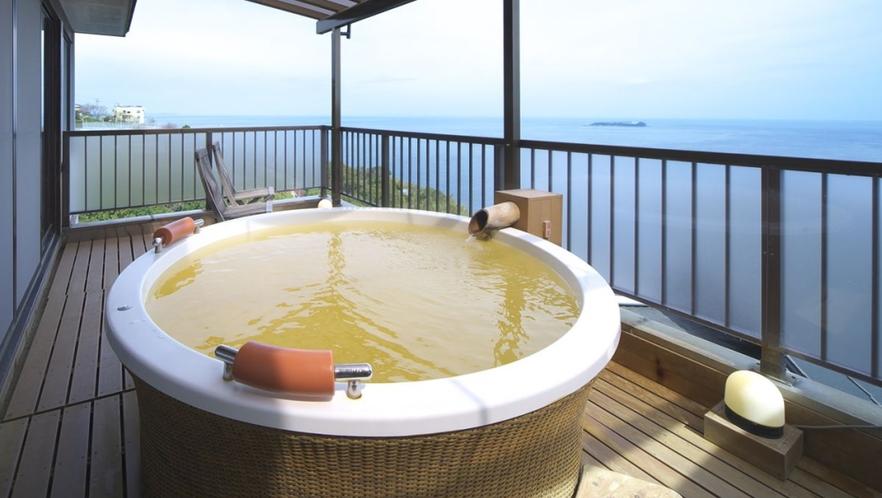 【本館 見晴し】角部屋から網代山から相模灘を一望できます 個室露天風呂